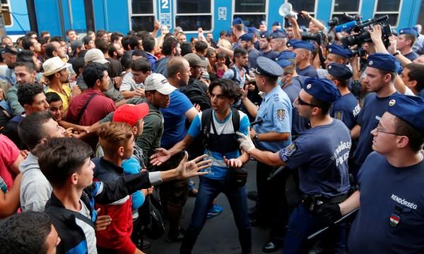 Полша и Унгария твърди за антимигрантската си политика