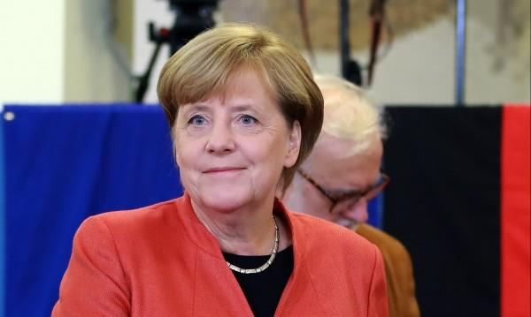 Меркел отново начело на Германия: По-добра от нея няма!
