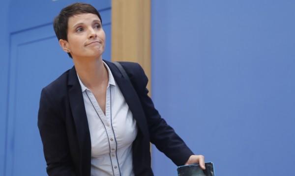 Един от лидерите на АзГ не иска да е в нейната парламентарна група