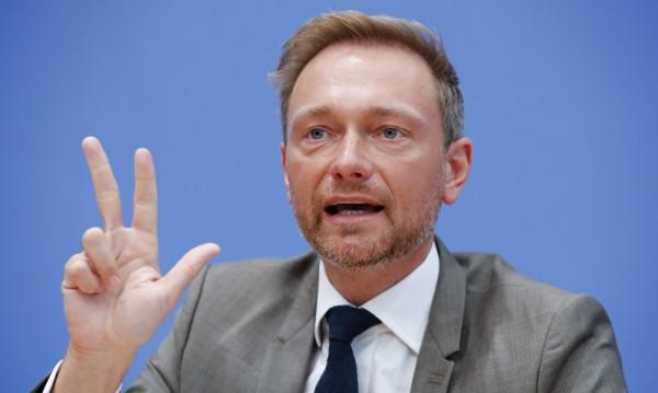 Германските либерали: Да приемем факта, че Крим е на Русия