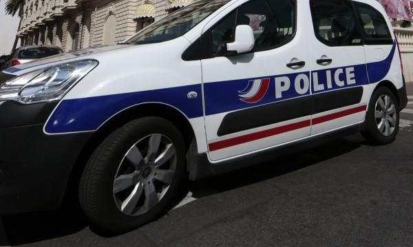 Във Франция задържаха британец с три снаряда в багажа