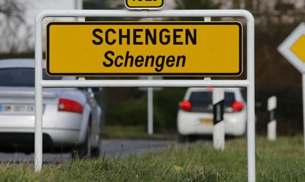 Социалистите в ЕП: България и Румъния незабавно в Шенген