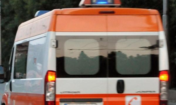 Кола се заби в автобус във Варненско, 40-годишен загина