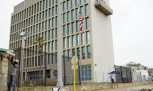 САЩ изтеглят дипломати от Куба заради атаки срещу посолството