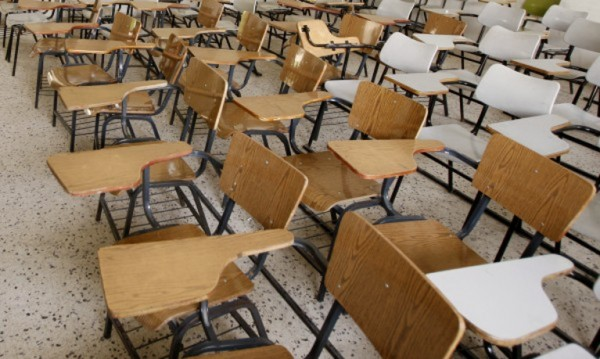 От ден до пладне: Акцията с връщането на децата в училище забуксува