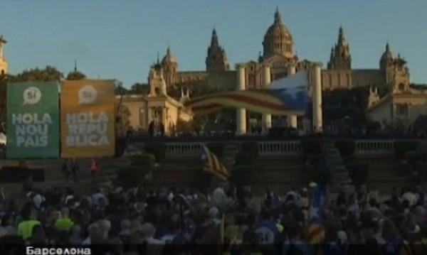 Каталунци се втурнаха да пазят избирателните секции