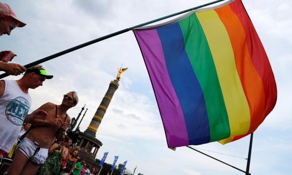Нови права: Гейовете в Германия - вече семейство с деца