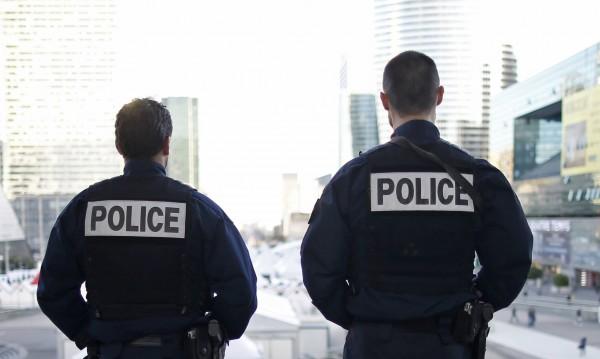 """Аллах Акбар"" в Марсилия, мъж уби двама души с нож"