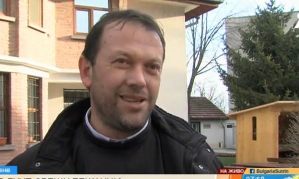 Ватикана върна отец Паоло Кортезе в Белене