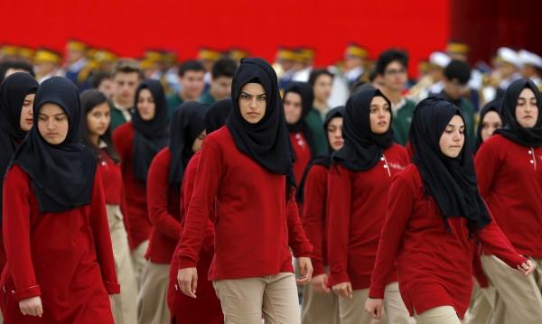 Възпитание: В турските училища – джихад вместо Ататюрк!