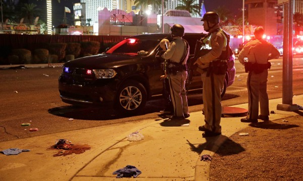 След стрелбата в Лас Вегас - 58 убити и 515 ранени