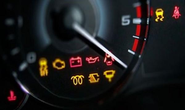 Светлини, спирачки... Проблемите в колата, които не бива да се пренебрегват