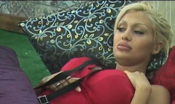 """Джулиана Гани влезе в Залата на тъпотията с """"Фри зарядка"""""""
