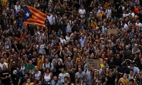 Каталуния протестира и стачкува, Мадрид негодува