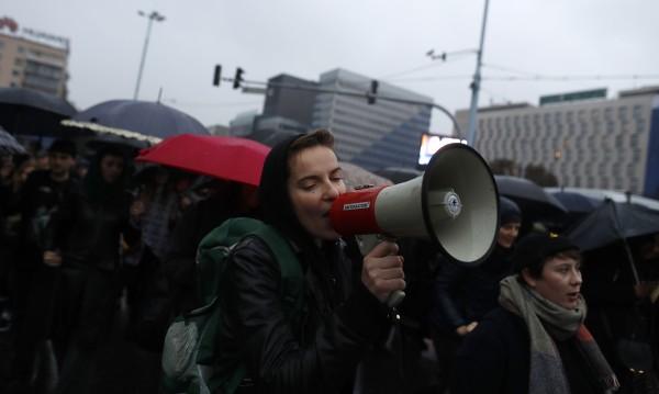 Хиляди полякини на демонстрации в подкрепа правата на жените