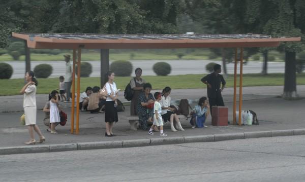Пхенян не продава бензин, има само за висшата номенклатура