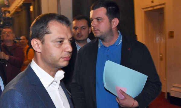 Депутатът Добрев: Наистина исках да си тръгна. В тежка ситуация съм!