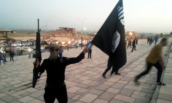 След пораженията в Сирия и Ирак ИД прави виртуален халифат