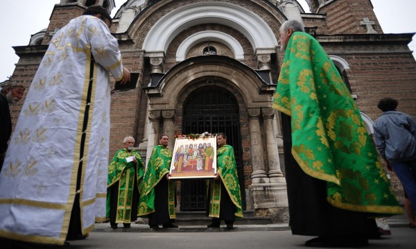 Глад за свещеници! Те са само 800, мнозина напускат България