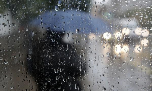 Оранжев код за обилни валежи в 6 области в неделя