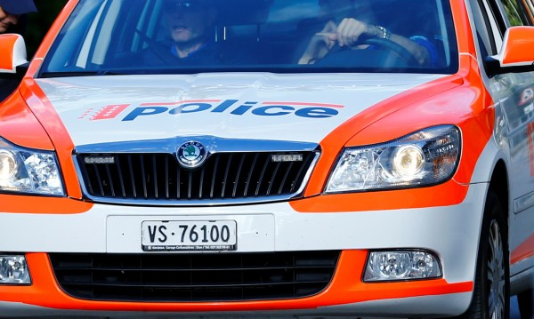 Полицай застреля агресивен бежанец в Швейцария