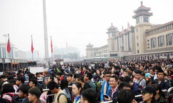 Китай: 1,34 млн. чиновници наказани за корупция от 2013 г.