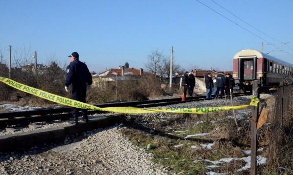 Влак блъсна и уби мъж край Нова Загора