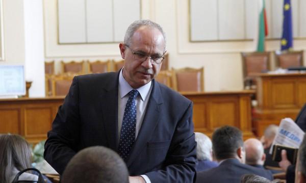 Парламентът реши: Антон Тодоров да опразни стола!