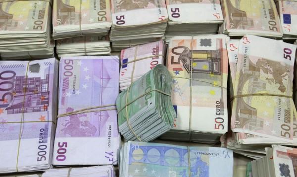 Българи отмъкнали над €2 млн. от кредитни карти във Франция