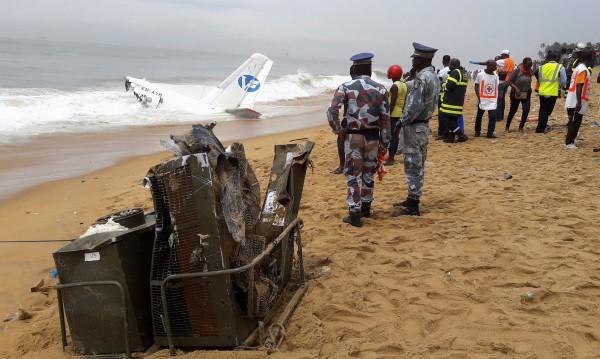 Товарен самолет се разби край Кот д'Ивоар, загинаха четирима