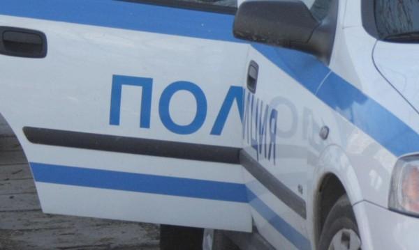 Арестуваните полицаи събирали такса,  2 бона от дилър