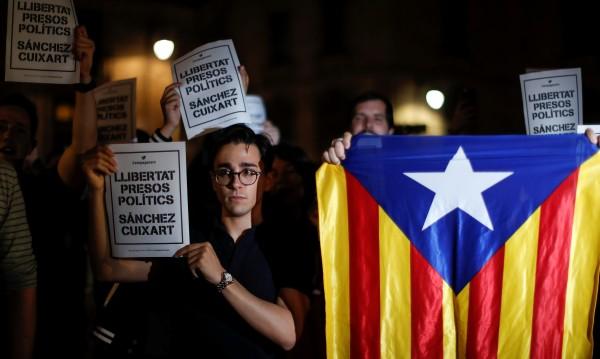 Арестуваха двама каталунски сепаратистки лидери