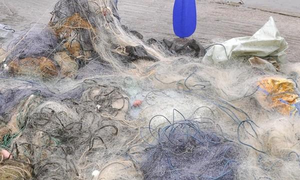 """Инспектори откриха бракониерски мрежи в язовир """"Съединение"""""""