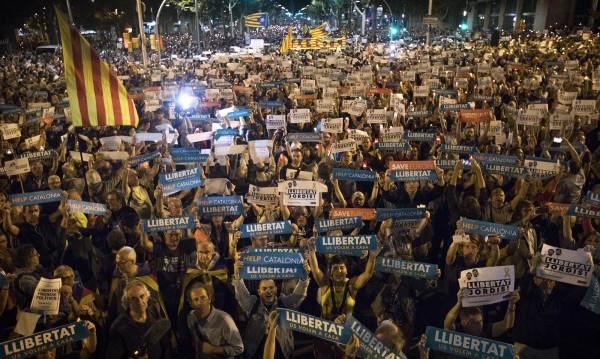 200 хил. подкрепиха арестуваните каталунски лидери