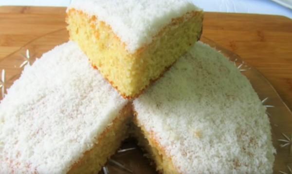 Рецептата Dnes: Лесна кокосова торта с ванилия
