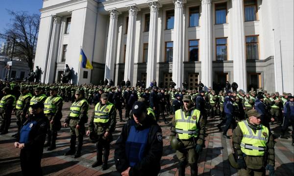 """В Киев става все по-горещо – пак се заговори за """"майдан"""""""