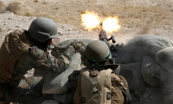 Над 40 войници убити при нападение на талибаните в Афганистан