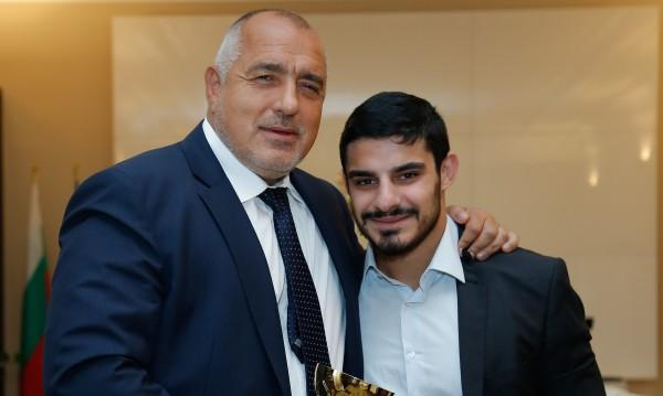 Борисов разговаря с каратиста Тодор Събев, обеща му още помощ