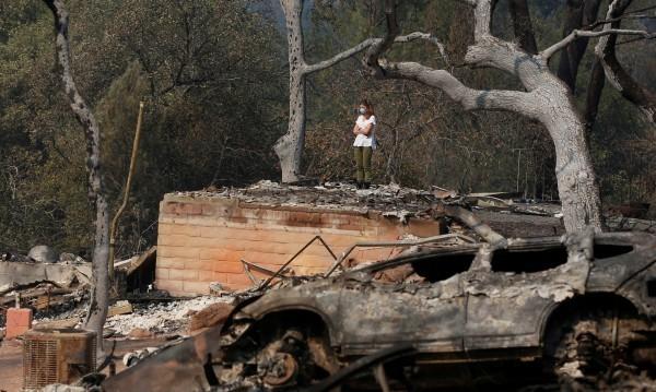 Пожарите в Калифорния са унищожили 8400 сгради