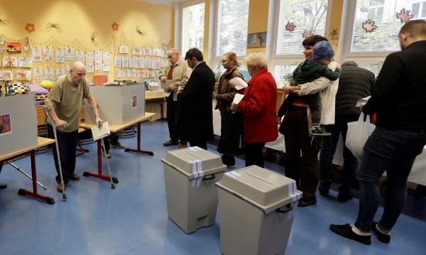 Популистката АНО води на изборите за парламент в Чехия