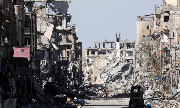 Русия вини САЩ: Бомбите им заличили сирийския Ракка