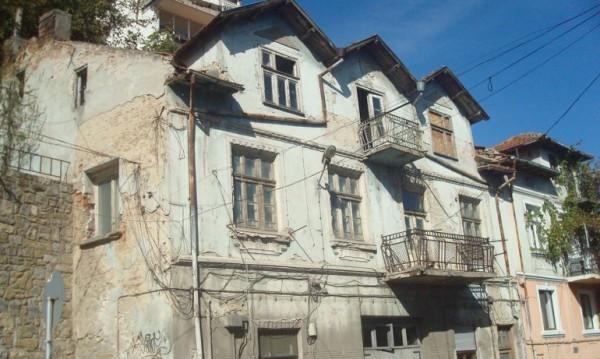Домове с история и без перспектива: Къщата ми ще бъде мой ковчег!