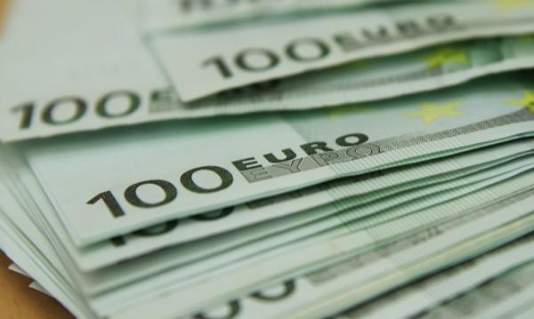 Гръцки фирми масово бягат към България и Кипър
