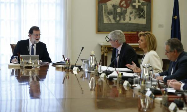 """Как Мадрид иска да поеме контрола над """"независима"""" Каталуния"""