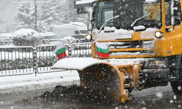 Пътната агенция призова: Сменете летните гуми със зимни!