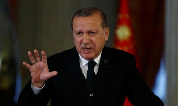 Кметове в Турция хвърлят оставки, Ердоган ги принуди