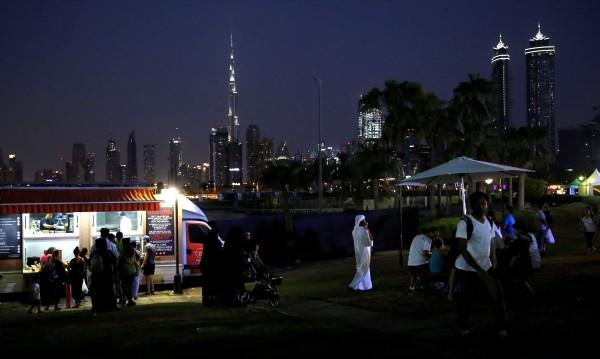 Емирът на Дубай помилва британеца, докоснал мъж в бар
