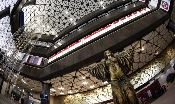 НДК готов до Коледа, хотелите за чиновниците от ЕС поне три звезди