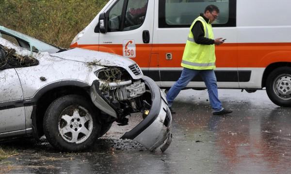 След ужаса край Драгичево: Нов сблъсък затвори пътя от Перник