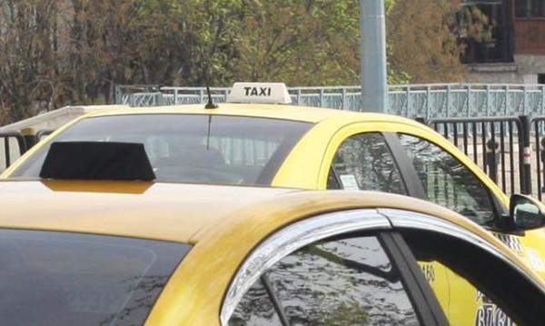 Такси блъсна 10-годишно дете в Пловдив